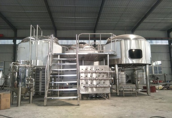 This is Yuesheng three vessels beer brewhouse system